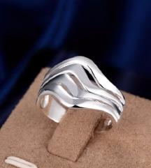 Prsten sa žigom 925 Vel 8 Cena:450din