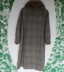Vintage vuneni kaput sa prirodnim krznom