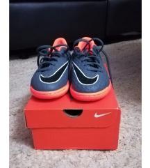 Nike original, kopačke, nove.