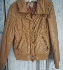 Polovna oker jakna Bershka