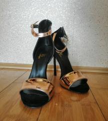 Rose gold sandale na stiklu