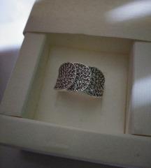 Srebrni prsten,novo, cirkoni