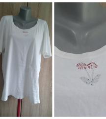 Bela pamucna majica sa tresnjom