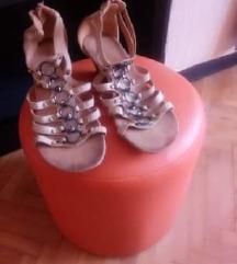 Sandalice sa kajsicima