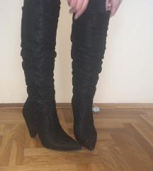 Crne duboke cizme  2800