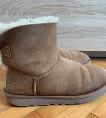 Ugg braon čizme sa mašnom