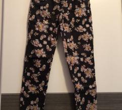 Xs pantalone cvetne