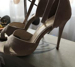Krem 39 sandale