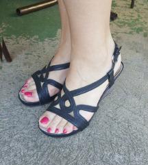 Crne sandale, espadrile na platformu