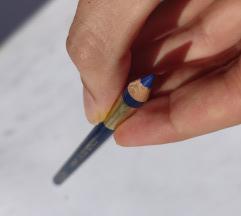 Loreal olovka NOVA + GRATIS PTT
