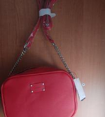 Nova crvena torbica