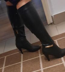 Crne cizme sa stiklom