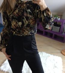 Crna bluza sa printom