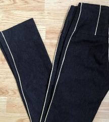 Pantalone sa prugom  visoki struk