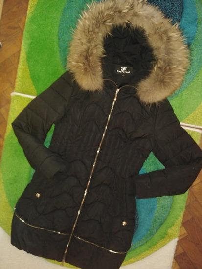 Prelepa jakna sa prirodnim krznom