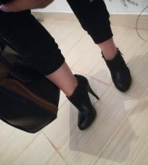 Cipele- krace cizmice 39
