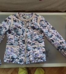Prelepa tanja stepana floral jaknica