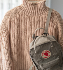 H&M Ribbed Turtleneck Sweater  rezz