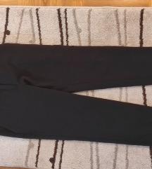 Crne poslovne pantalone na crtu