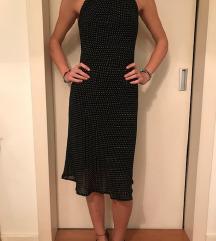 Zara crna haljina na sitne tufne