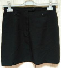 Snižena Benetton crna suknja M-L