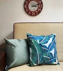 Jastuk dizajn sa listovima NOV