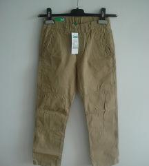 Nove Benetton pantalone 7-8 godina