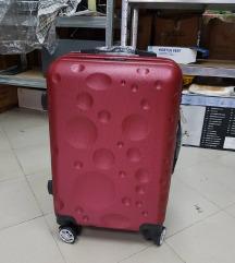 Kabinski Kofer  Crveni