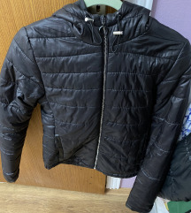 Bershka crna jakna
