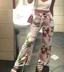 Cvetne pantalone