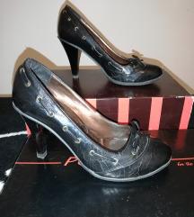 Lakovane cipele br.37