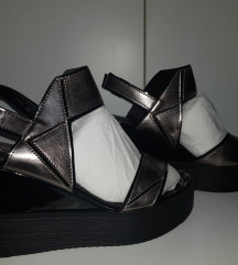 Sandale na platformu NOVO
