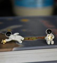 Asimetrične zvezdane minđuše - astronauti