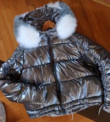Perjana jakna sa pravim krznom lisice