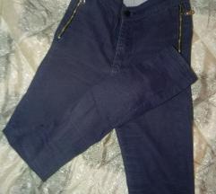 Teget pantalone sa sljokicama