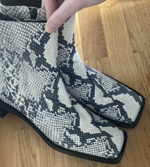 Zara square toe kožne čizme