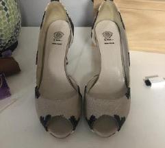 AKCIJA; nove, kozne sandalete