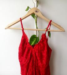 Čipkasta crvena majica sa dekolteom ❤️