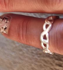 Nov srebrni prsten-burma