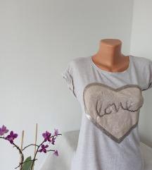 Bež viskozna majica sa srcem vel S