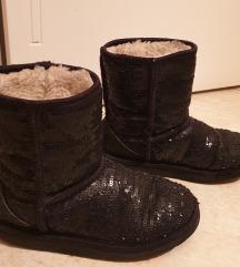 UGG cizme original sa hologramom 33