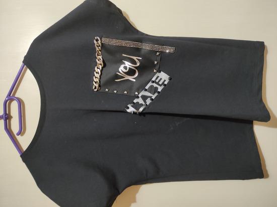 Crna majica kratkih rukava *NOVO*