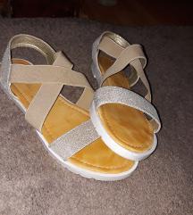 Sandale kao novo