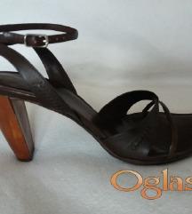Snizeno 2000Armani exchange 40/41 sandale