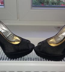 Cipele sa štiklom samo 600 din