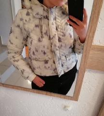 Bela sportska jakna