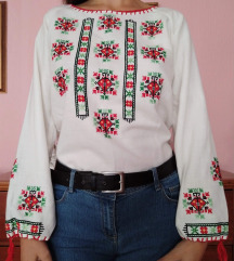 Vezena bluza (rucni rad)