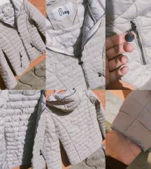 Zenska prolecna jakna