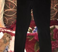 Crne pantalone sa elastinom