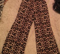Tigraste pantalone sa sirokim nogavicama 🌺